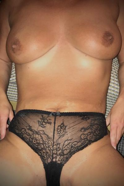 Seductive_Milf - Sex in Manchester - Picture