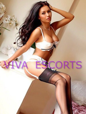 Bella - Nottingham escort - Picture